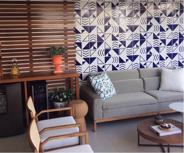 painel-em-azulejos-decorativos-lurca-para-sala-de-estar